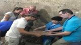 מציאת הצלחת בחפירות מרשה בית גוברין (3)